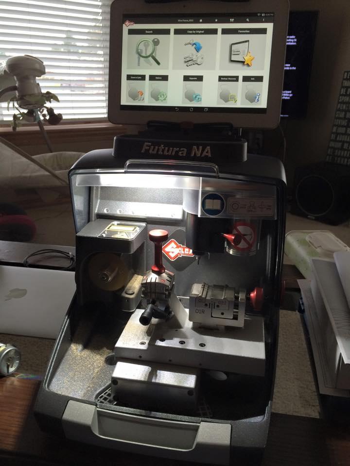 image of the Ilco Futura key cutting machine
